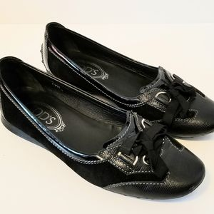 TOD'S BLACK LACE TOE ACCENT DRIVING LOAFERS 37.5